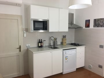 """Flat in villa at 1440 metres from the beach, big garden, high pines, Wi-Fi - Flat """"Dolce Vita"""" number 67 Villa Tracina (625088)"""