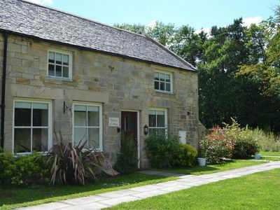 Photo for Willow Cottage, Bank House Farm. Located in a delightful woodland setting.