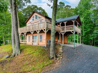 Photo for Mountain Cabin/Golf/Hot Tub/Views/Gated/Sleeps 8++