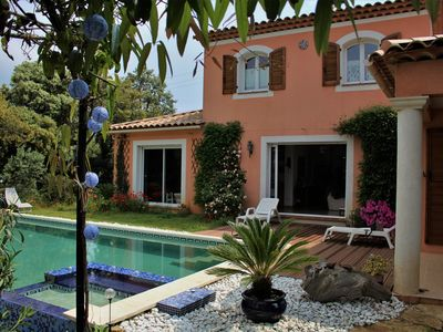 Photo for villa on terraced land planted with beautiful pool / spa, 1km from the sea