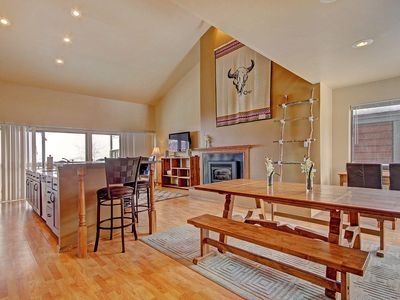 Photo for 2533 Pet friendly ski condo.  Beautiful views from 3rd floor.  Pet friendly.