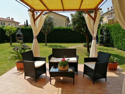 Photo for Beautiful apartment with garden a short distance from Lake Garda