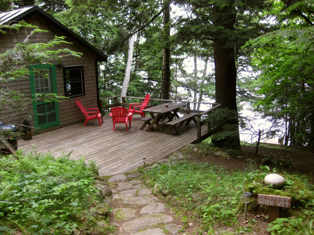 private country lakeside cottage surrounded homeaway jefferson