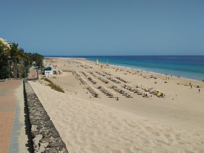 Photo for Apartment on the seafront, overlooking the beach, swimming pools, equipped. Wifi