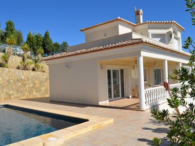 Photo for Villa m. WiFi, 3 bedrooms, 3 bathrooms, 3x air conditioning, heating, 5x10m pool m. fantastic view