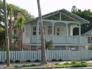 Photo for Banyan Tree Cottage in historic beach town
