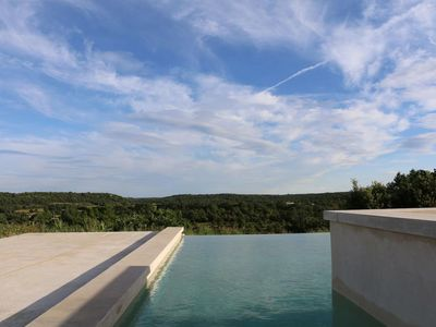 Photo for Quiet house, 4ch / 7pers, with infinity pool