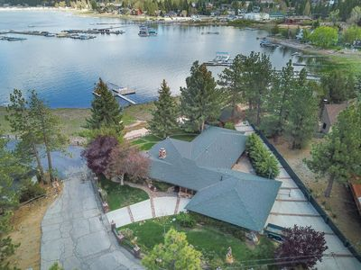 Photo for Gibralter Lakeview: Luxury! Close to the Village, & Marinas! Pool Table! Wifi!
