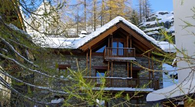 Photo for Traditional chalet Les Racines 155 m2 for 8/10 pers between Tignes - Val d'Isère