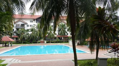 Photo for Tropical Resort Style Condominium 10min From KLCC