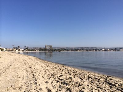 Mission Bay is 40 steps from your door - is ideal for stand up paddle boarding!