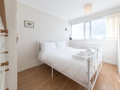 Photo for Lovely 2Bed w/Balcony, 10 Mins to Westminster