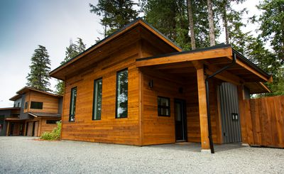 Photo for Brand New! Private Modern Cabin. Walk To The Beach!