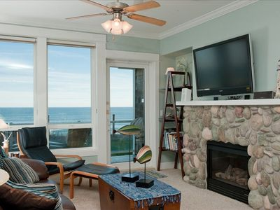 Photo for *Promo!* Stunning Oceanfront Condo-Private Hot Tub, WiFi, Indoor Pool & HDTV!