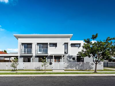 Photo for OliJac - new 3 Bedroom Home