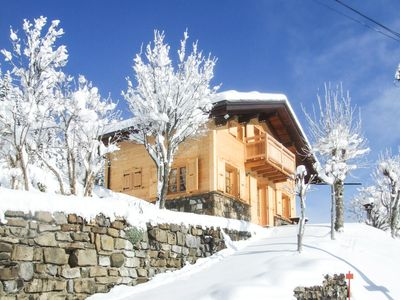 Photo for Mountain chalet at the foot of the slopes, 5 people, neat decoration, all comfort