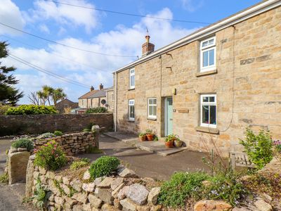 Photo for CHY LOWENA, family friendly, with open fire in Pendeen, Ref 1003031
