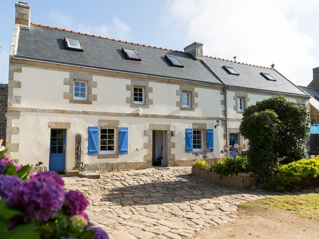 Your Holidays In Brittany Finistere South The Sea Farmhouse Pool Plogoff Brittany