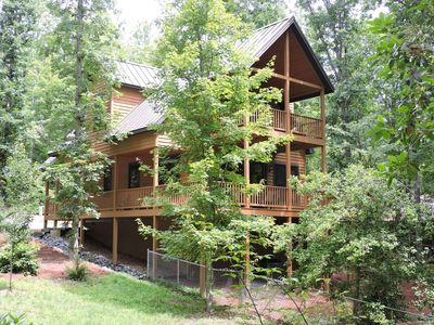 Photo for FF Luxury Dog-friendly Chalet W/Large Fenced Yard, Hot Tub on Deck, Fireplace