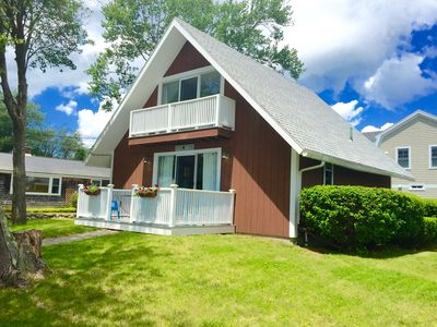Photo for IDEAL LOCATION!  ONE BLOCK TO JENNESS BEACH!