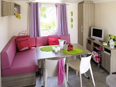 Photo for Mobile home in campsite with swimming pool in Saint-Rémy-de-Provence