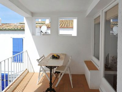 Photo for 101.132_Two bedrooms apartment located in a quiet area, 100 m from the beach and 5 min from de center of the town.