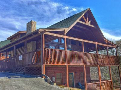 10% off remaining NTS in Dec.! Minutes from Pigeon Forge parkway!  lowest rates! Call now!