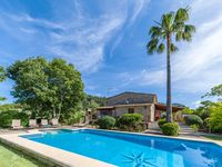 Lovely villa in great setting. Close to Pollença but beautifully quiet.