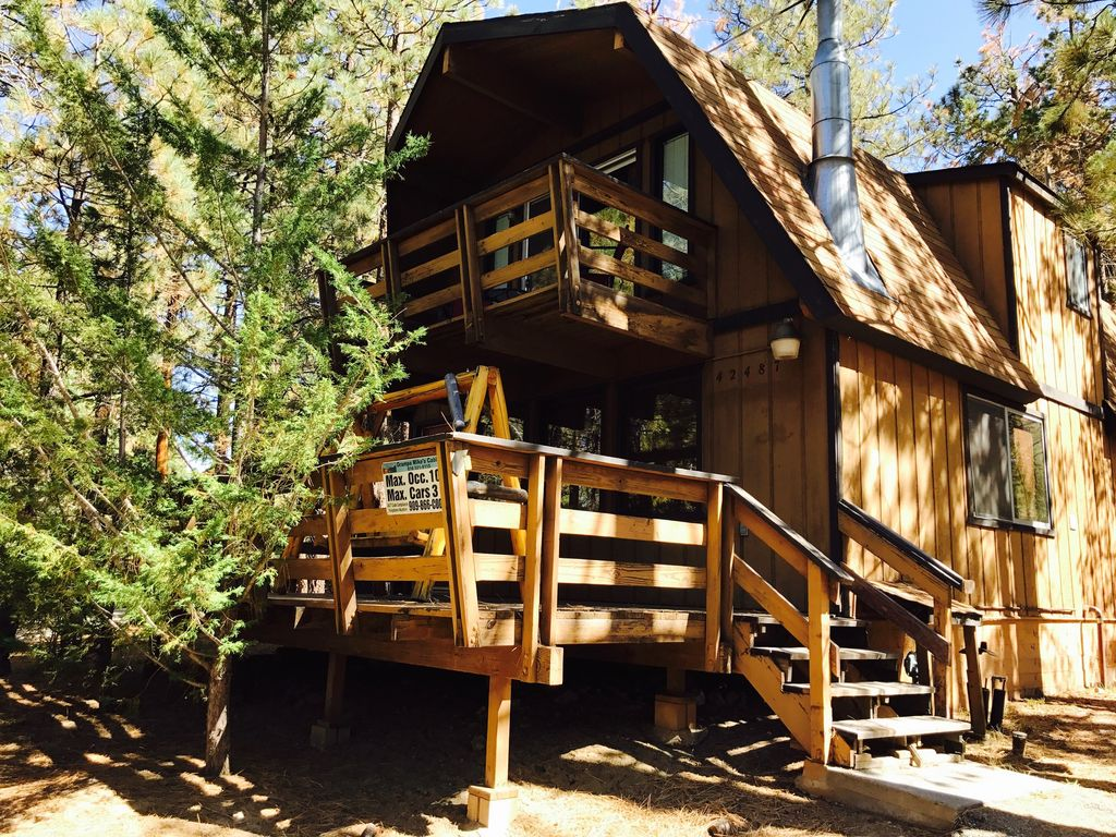 Awesome Woodsy Cabin, Close to everything. Hot Tub! ... - 4653998