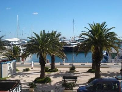 Photo for Renovated apartment, facing the islands of Hyères, 2 bedrooms, 6 people 93 m2