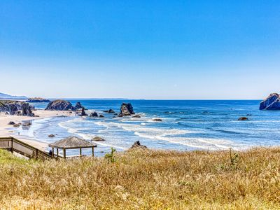 Photo for Dog-friendly cottage on the bluff with unobstructed ocean views