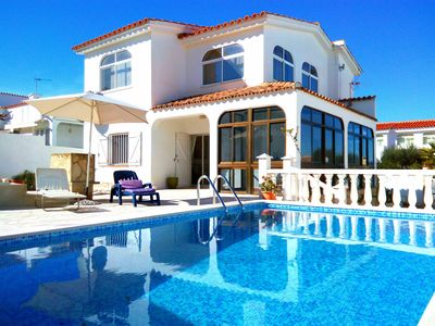 Photo for Villa Margarita - Holiday villa with pool and barbecue in a quiet area