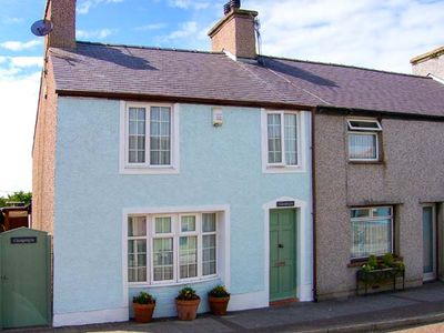 Photo for GWYNFA, pet friendly, with open fire in Cemaes Bay, Ref 919685