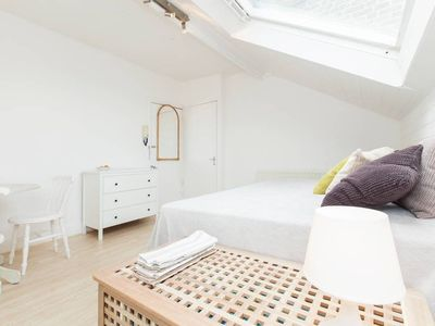 Photo for Bright 1 Bed Flat in Notting Hill, 5mins to Stn