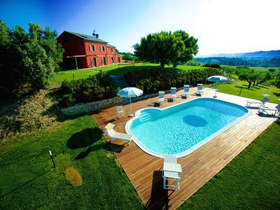 Photo for Villa with private pool, air conditioning and putting green 10 km from the sea