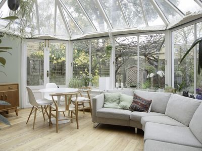 Photo for Modern 3 bed house with beautiful conservatory and outdoor space (Veeve)