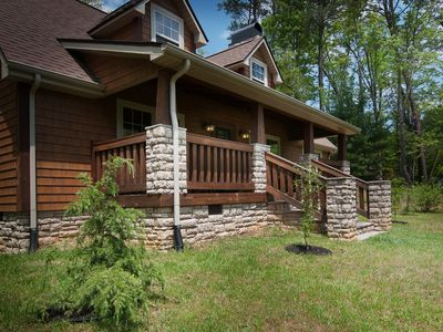 Photo for Easy Access 3br/2.5ba With All The Charm Of The Great Smoky Mountains. Free WiFi