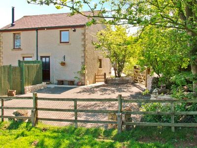 Photo for HORSE MILL LODGE, country holiday cottage in Taddington, Ref 26750