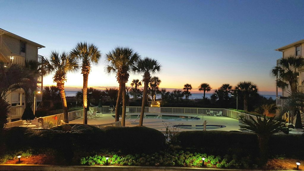Breakers 230 Beachfront Oceanfront Hilton Head Island Condo Hilton Head South Carolina Island