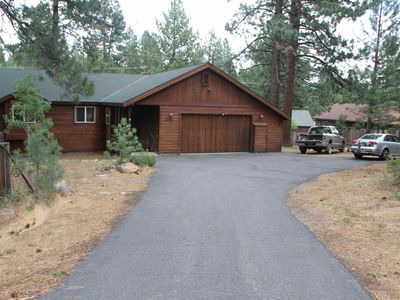Photo for Truckee Retreat Close to Town, Trails, Slopes - Great for sports enthusiasts!