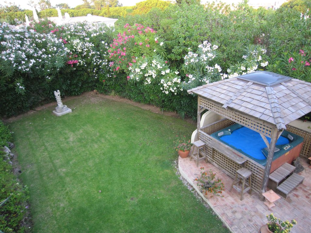 5 RATED SECLUDED STH FACING DET VILLA NR BEACH WITH FREE HEATED POOL ...