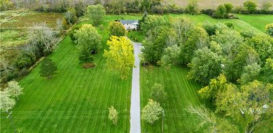 Photo for Niagara Country Retreat - 3 Acres Yard, 10 min to the Falls!!