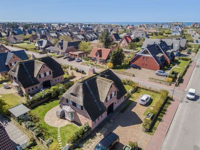 Photo for 5BR House Vacation Rental in Wenningstedt-Braderup (Sylt)