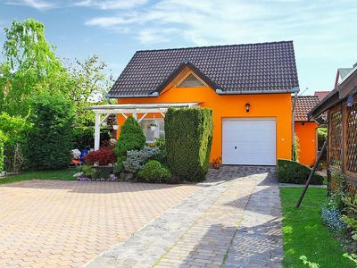 Photo for Apartment in the center of Balatonszárszó with Parking, Internet, Air conditioning, Garden (133491)