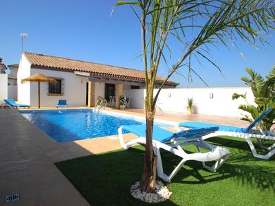 Photo for New and modern and holiday home with large private pool for 4 persons