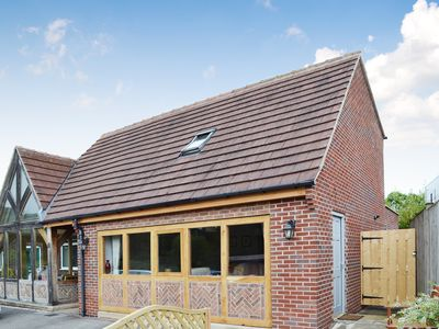 Photo for 2 bedroom accommodation in Cutthorpe, near Chesterfield