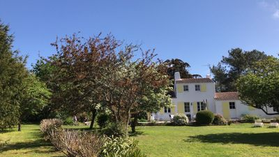 "Photo for Large house in a large garden of 5. 000m², beach ""old"""