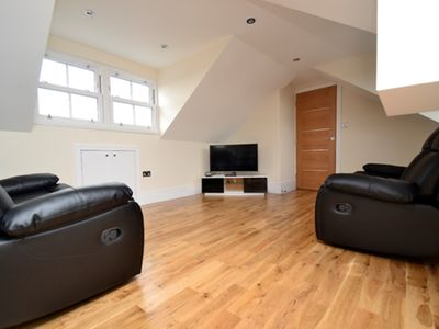 Photo for The View - Modern penthouse apartment in Archway