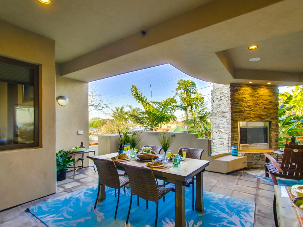 LUXURY SPA HOME CHEFS KITCHEN, ROOFTOP JACUZZI SPA, SWEEPING OCEAN ...