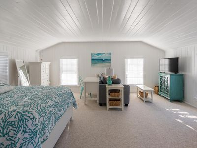 Photo for Charming cottage studio in Old Naples two blocks to the beach/walk to 5th/3rd